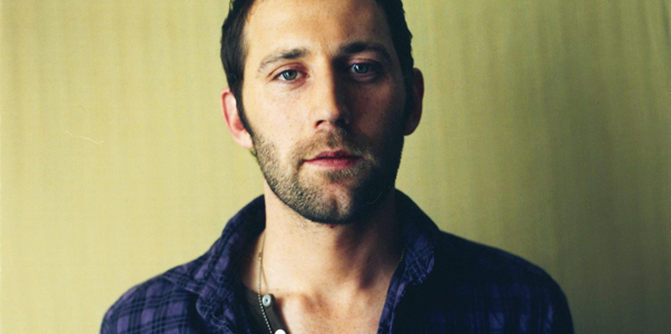 Singer/Songwriter Mat Kearney Talks Crazed Fans (Maui Now)
