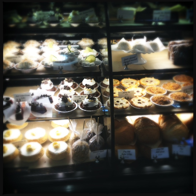 Leoda's Pie Shop: More Than Just Sweets (Maui Now)